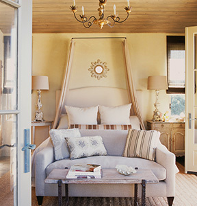 interiors-malibu-equestrian-bedroom-thumb