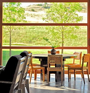 interiors-montana-screened-porch-04-thumb